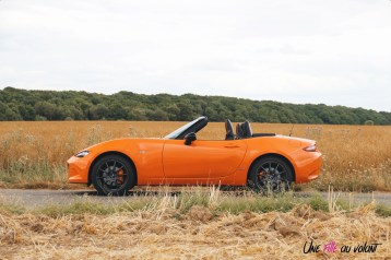 Mazda MX-5 30th Anniversary 2019 profil cabriolet orange racing jantes forgées essence