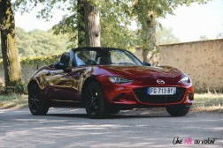 Essai Mazda MX-5 capot avant calandre logo sportive