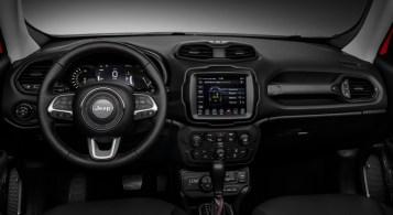 Jeep Renegade PHEV 2019 intérieur écran volant