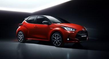 Toyota Yaris 2019 trois quarts avant jantes citadine