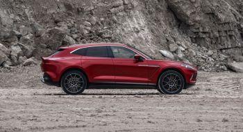 Aston Martin DBX 2019 profil SUV coupé jantes