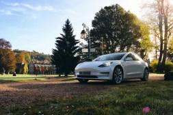 Essai Tesla Model 3 Performance 2019 berline électrique face avant capot