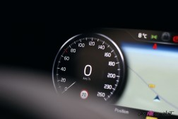 Photo Essai Volvo S60 Polestar Engineered dŽtail combinŽ numŽrique vitesse