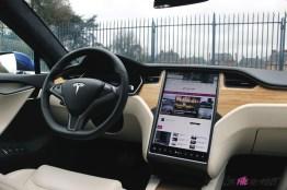 Photos essai Tesla Model S Grande Autonomie 2020 poste de conduite