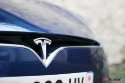 Photos essai Tesla Model S Grande Autonomie 2020 logo capot