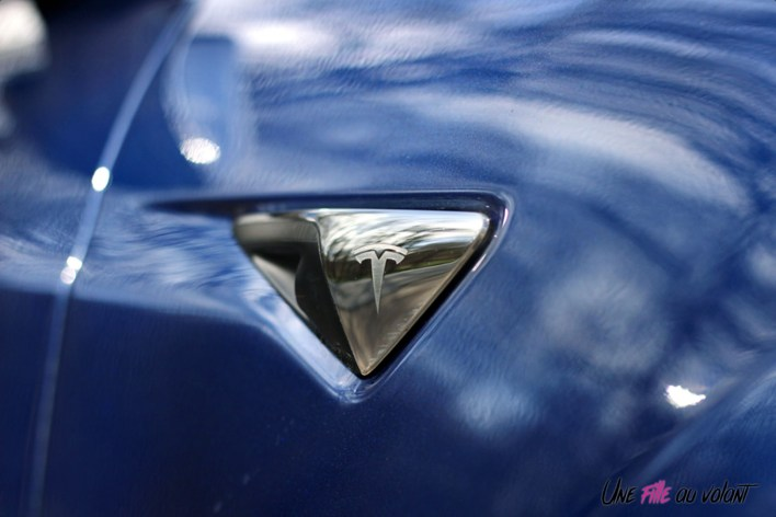 Photos essai Tesla Model S Grande Autonomie 2020 camŽra logo dŽtail