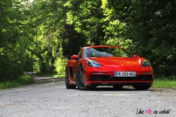 Photos essai Porsche 718 Cayman S rouge indien face avant