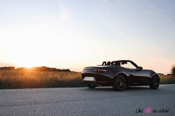 Photos Mazda MX-5 Eunos Edition 2020 face arrire jet black mica
