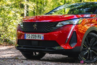 Photo Peugeot 5008 restylée black pack 2020
