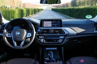 Photo poste de conduite BMW iX3 2020