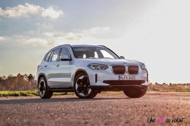 Photo BMW iX3 blanc Mineralweiss 2020