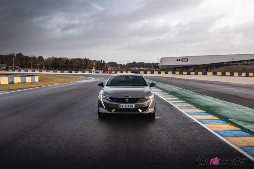 Photo face avant Peugeot 508 PSE 2021 circuit