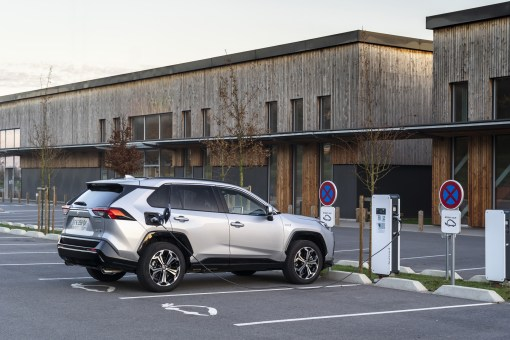 Photo Suzuki Across hybride rechargeable 2021