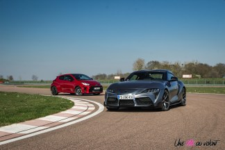 Photo comparatif statique Toyota GR Yaris et Toyota GR Supra statique 2021