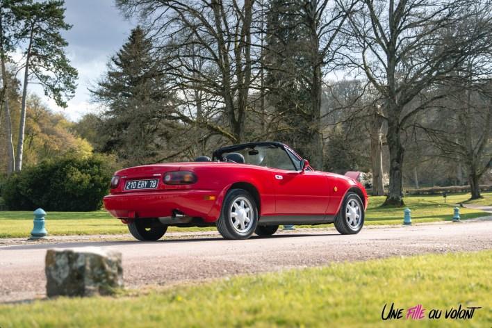 Photo arrière Mazda MX-5 NA rouge