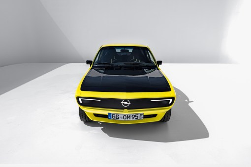 Photo face avant Opel Manta GSe ElektroMOD 2021