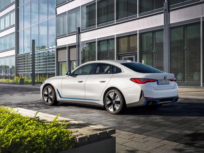 Photo arrière BMW i4 2021