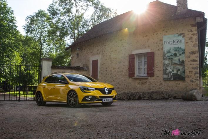 Photo avant Renault Mégane RS Trophy EDC jaune sirius