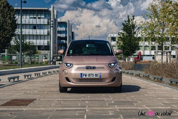 Photo face avant statique Fiat 500 électrique 2021