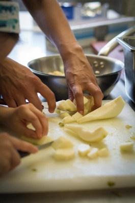 Atelier cuisine à l'Hôtel Beau Site Luxeuil-les-Bains - Crédit Photo Céline Schnell Une Fille En Alsace