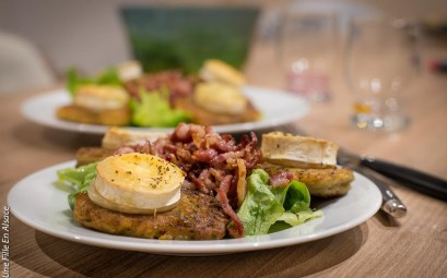 Salade de chèvre chaud et galette de pomme de terre Traiteur Schneider photo Celine-Schnell-Une-Fille-En-Alsace