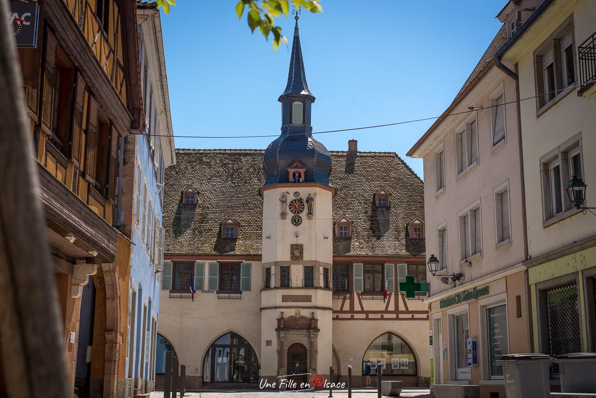 Benfeld Jacquemart - Une Fille en Alsace