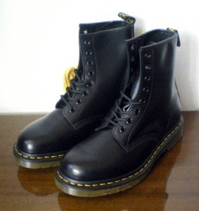 dr_martens_shoes_boot_1460_black_d1