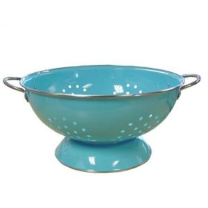 I think this is my dream colander. So pretty!