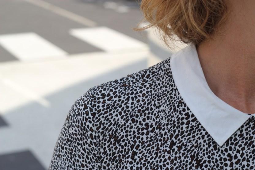 col blanc imprimé léopard