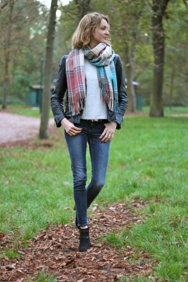 plaid pastel, jean zara, perfecto vintage, boots sézane