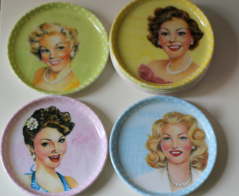 assiettes-pin-up