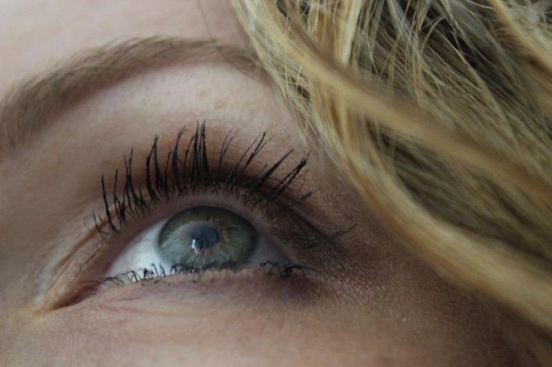 maquillage-yeux-bleu-vert