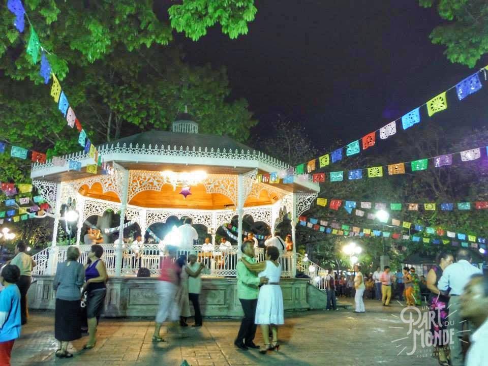 parque de la marimba danseurs
