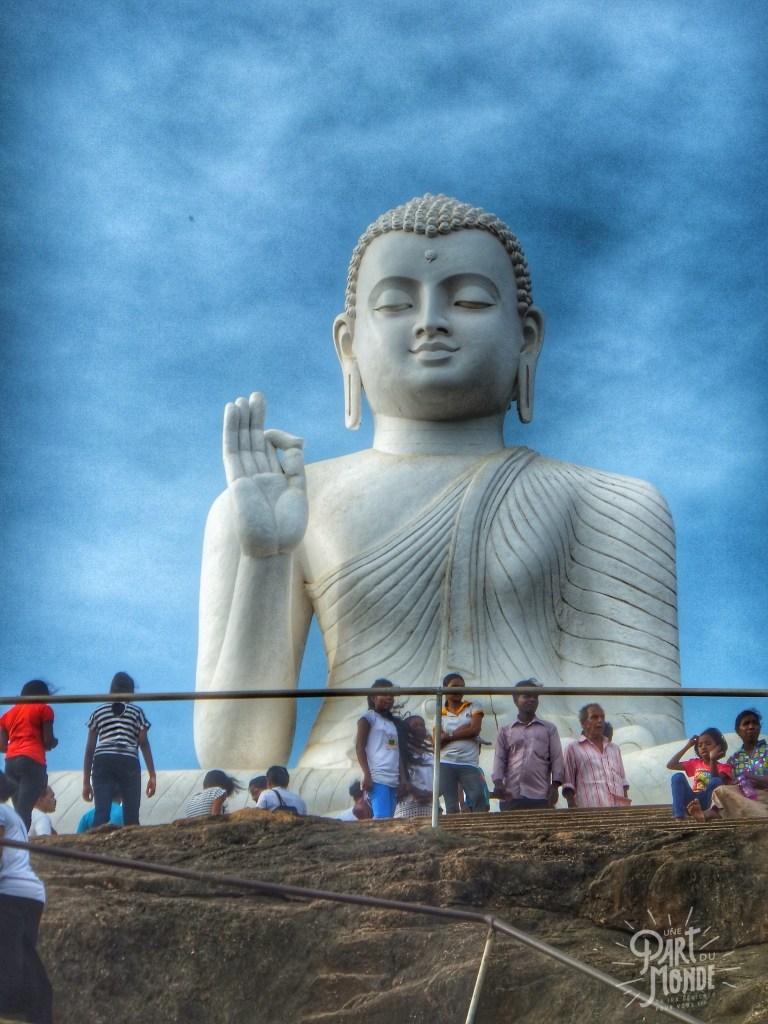 bouddha géant assis