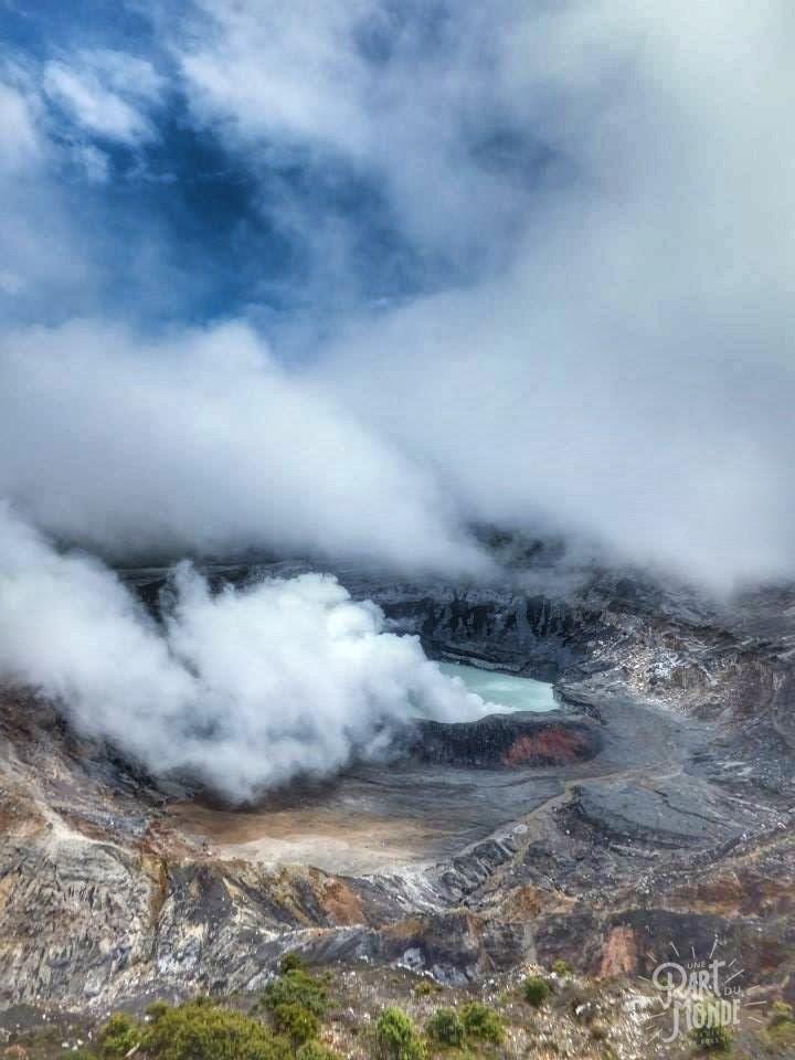 volcan poas cratère