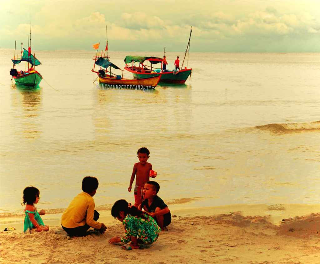 Travel_photography_kids_beach_Koh_Rong_Cambodia