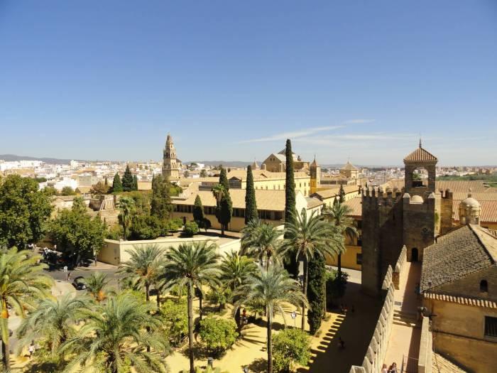 Zicht op moskee Cordoba vanaf het Alcazar