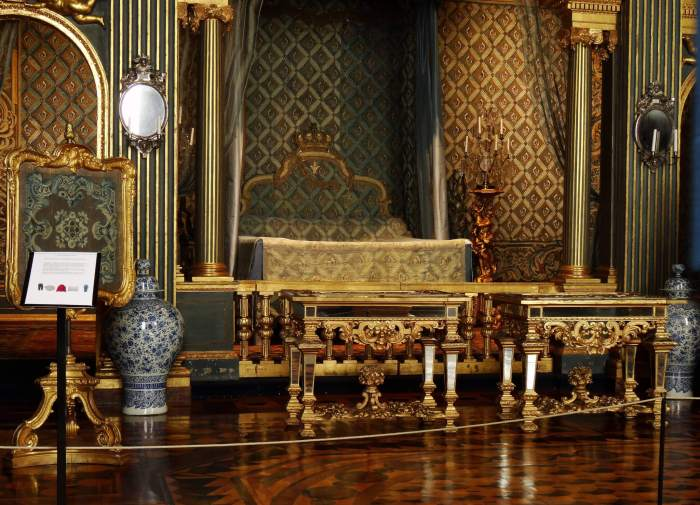 Slaapkamer van Zweedse koningin in paleis Drottningholm