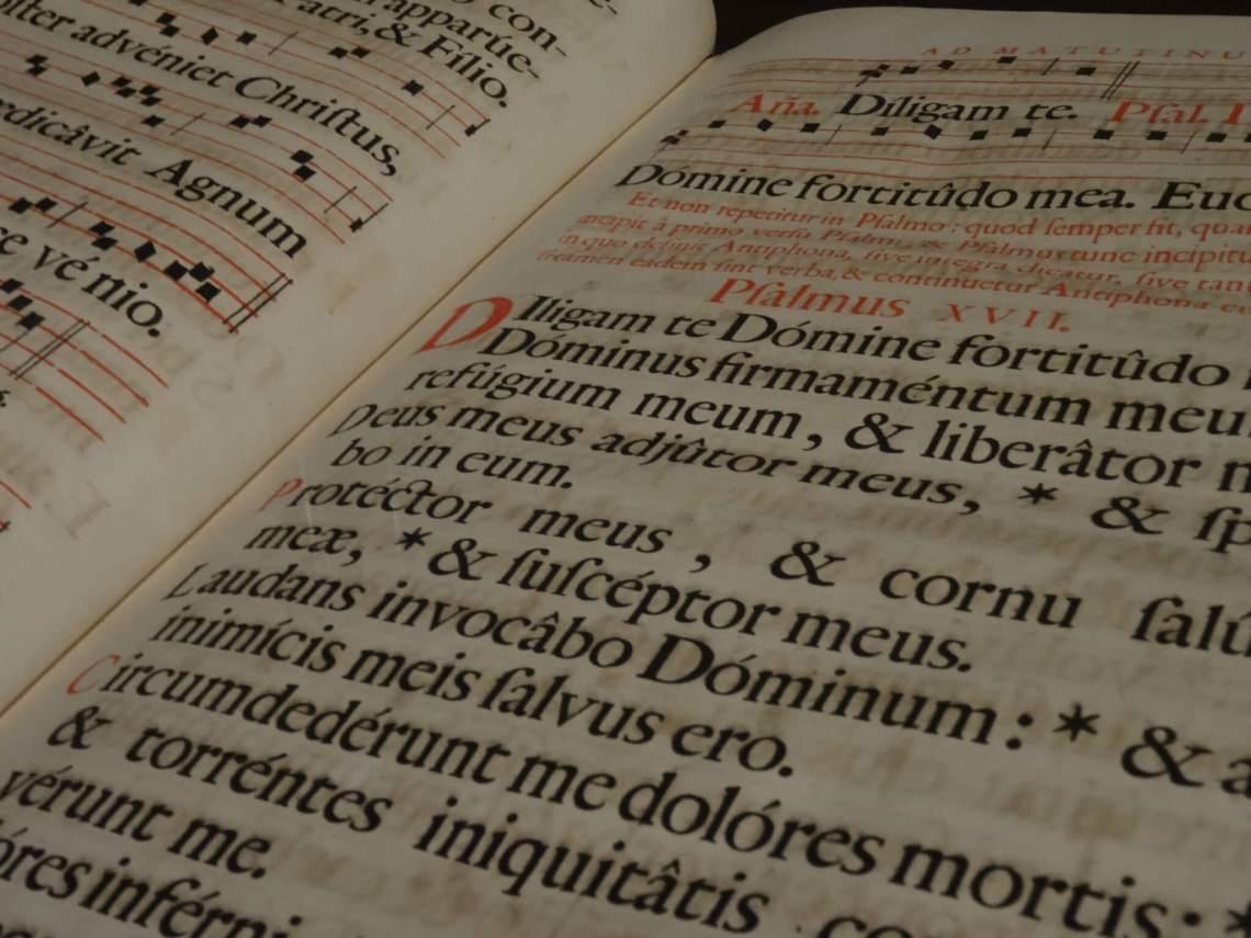 Latijnse tekst in oud geschrift