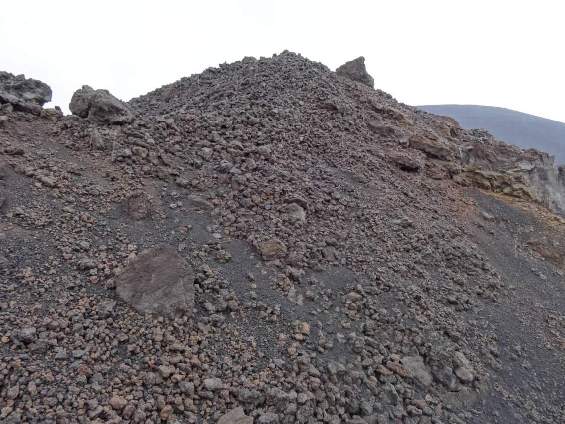 Vulkanische resten na uitbarsting Etna