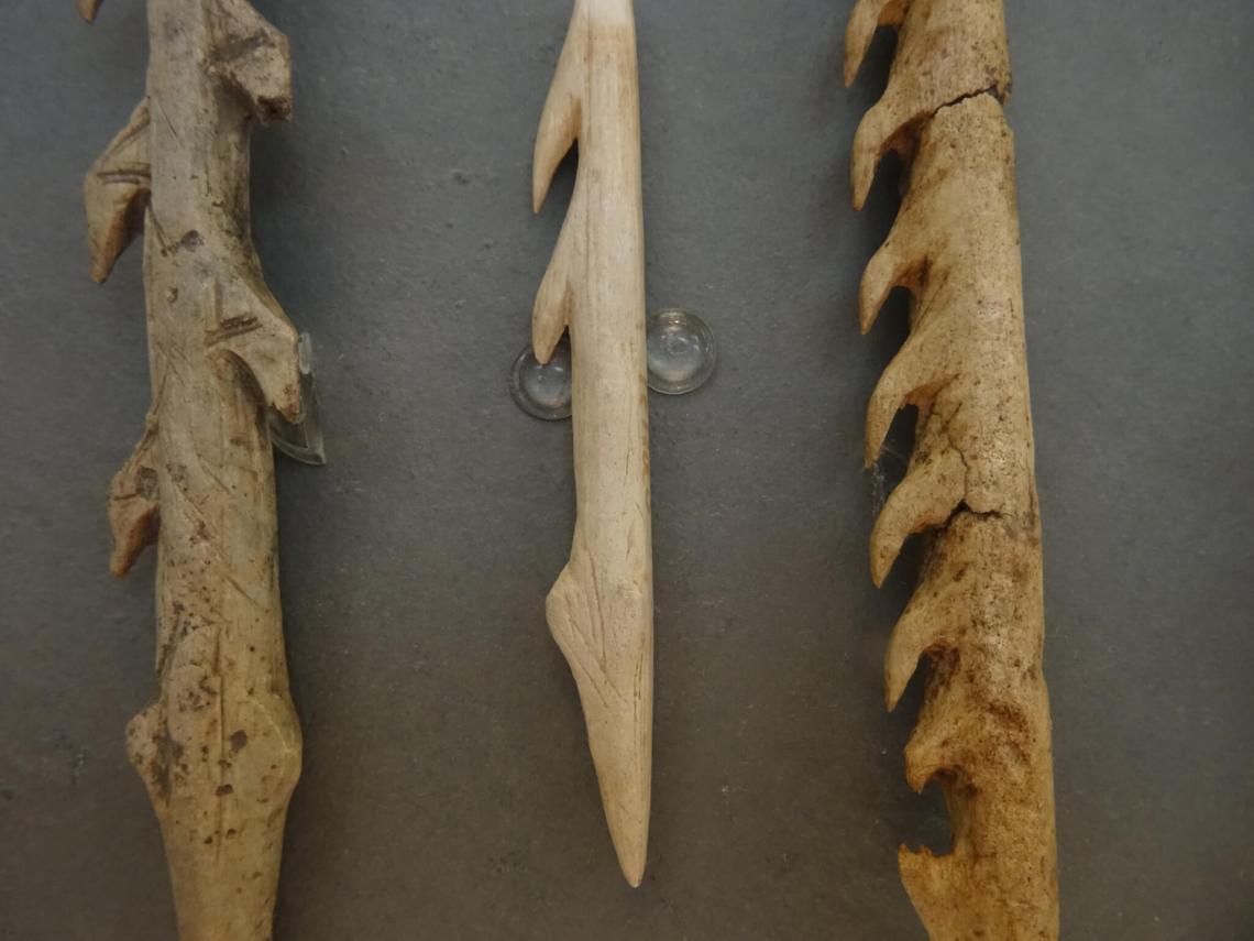 Prehistorische werktuigen met verschillende scherpe punten