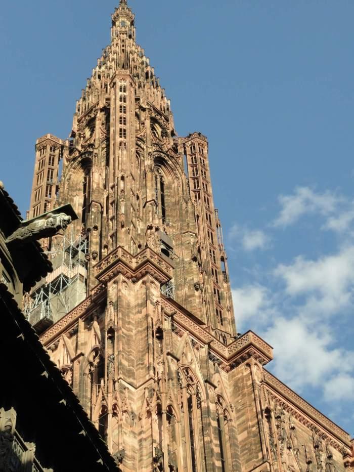 Gotische klokkentoren van kathedraal Straatsburg