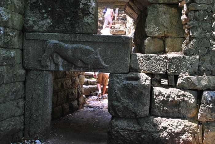 Leeuwenpoort Butrint