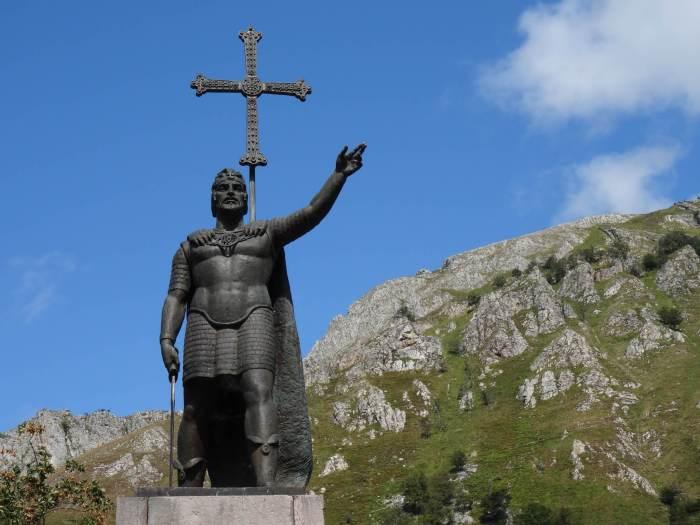 Don Pelayo en het Cruz de la Victoria