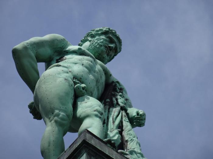 Hercules in bergpark Wilhelmshöhe