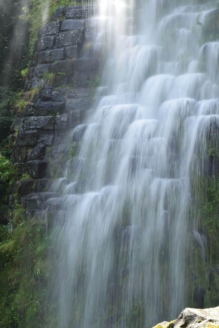 Waterval in bergpark Wilhelmshöhe
