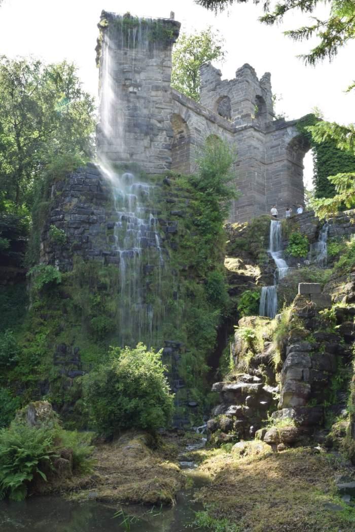 Romeins aquaduct in bergpark Wilhelmshöhe