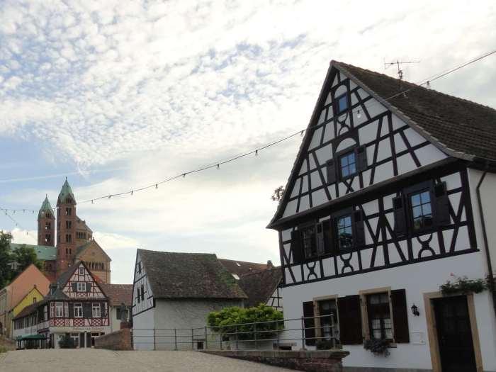 Vakwerkhuis en kathedraal van Speyer