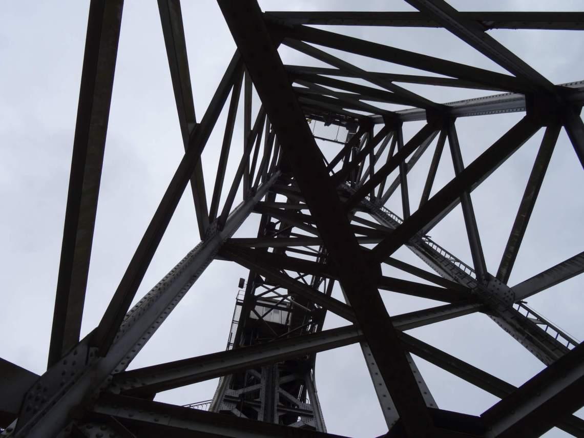 Scheepsliften van La Louvière ogen als een abstract kunstwerk van staal