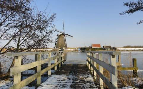 brug en molen in Kinderdijk